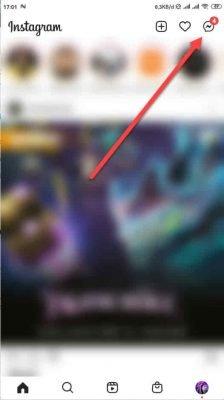 pilih tombol ikon dm instagram di pojok kanan atas
